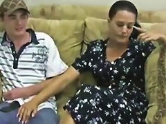Handjob Is Given By Sexy Mom Drtuber