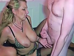 Mutter Und Tante Zeigen Dem Stief Sohn Wie Gefickt Wird 124 Redtube Free Blonde Porn