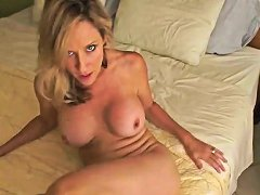 Mom From Milfsexdating Net Gives A Treat To You Drtuber