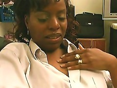 Black Goddess Found A Cam And Plays With It