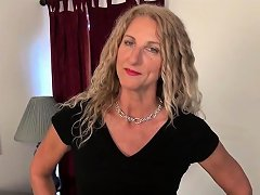 American Milf Jacqueline Plays With Her Nyloned Pussy Nuvid