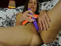 Super Sexy Skinny Old Spunker Has A Soaking Wet Pussy