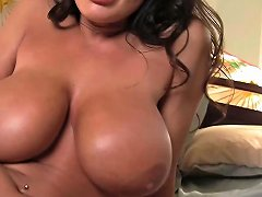 Lisa Ann Needs A Man In The Bedroom Free Porn 23 Xhamster